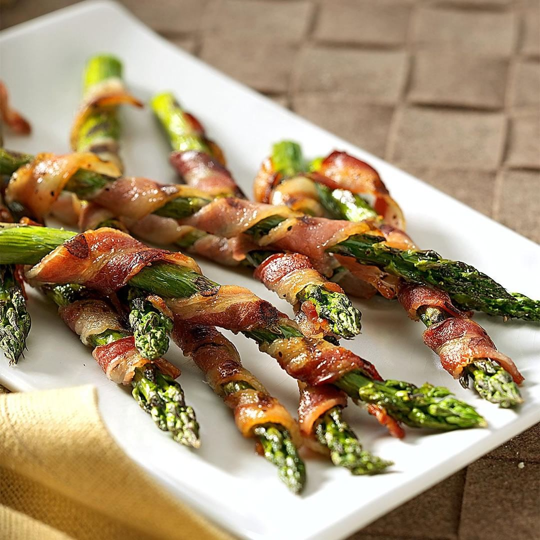 BaconWrapped Asparagus LIke or not? Tag your friend who cookshellip